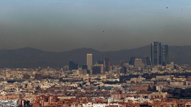 Hemeroteca: Madrid prohíbe aparcar en el centro este sábado por alta contaminación | Autor del artículo: Finanzas.com
