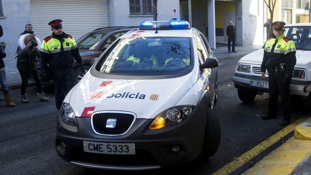 Hemeroteca: Muere el bebé que esperaba la mujer apuñalada por su pareja en Barcelona | Autor del artículo: Finanzas.com