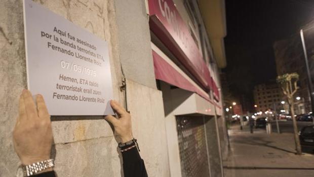Covite colocó 62 placas en las calles de Bilbao y San Sebastián