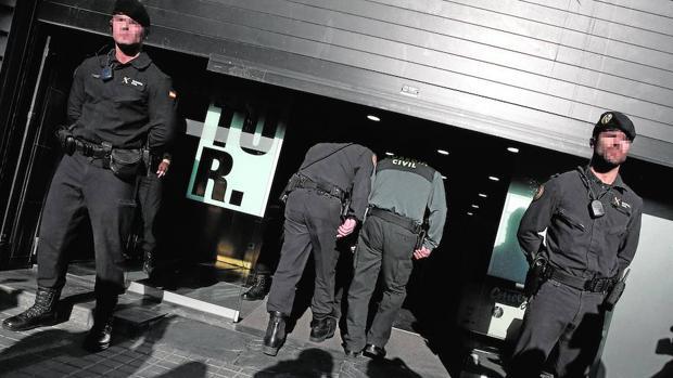 Hemeroteca: El juez protegió a dos testigos por temor a represalias de la Generalitat | Autor del artículo: Finanzas.com