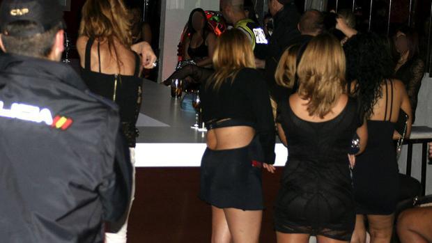 Hemeroteca: La Policía detecta el aumento de «lover boys» que prostituyen a sus novias | Autor del artículo: Finanzas.com