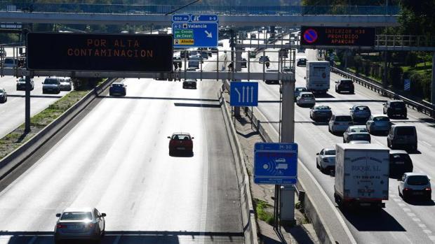 Hemeroteca: Madrid prohibirá circular a los coches más contaminantes a partir de 2025 | Autor del artículo: Finanzas.com