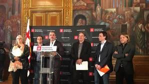 Jaume Collboni, junto a otros ediles municipales, explicando la postura municipal sobre los Juegos de Invierno