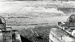 Los extraños objetos que sacaron del lago de la Casa de Campo cuando lo vaciaron hace 35 años