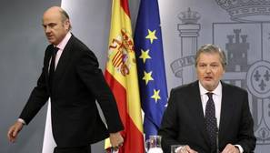 Prudencia en el Gobierno: «Lo que tiene que hacer ETA es desarmarse y disolverse»