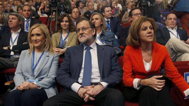 Cristina Cifuentes, Mariano Rajoy y Mª Dolores de Cospedal en el Congreso del PP de Madrid