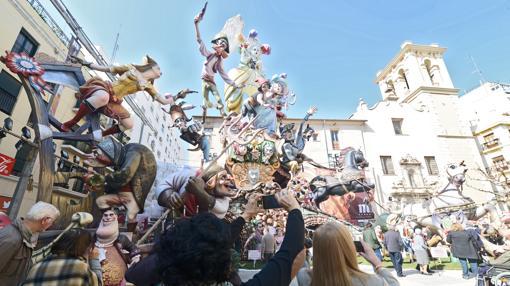 Imagen de una de las fallas del centro de Valencia