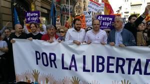 Miles de personas se manifiestan en Barcelona para «parar el golpe separatista»