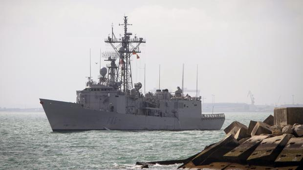 """La fragata """"Canarias """" de regreso a la Base Naval de Rota"""