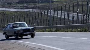 Imagen de archivo de un vehículo circulando en Melilla