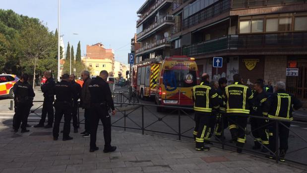 La Policía Nacional y los bomberos, en el lugar del suceso