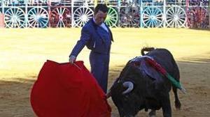 Ortega Cano toreando de corto un festival en La Algaba