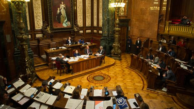 Un momento del pleno municipal de ayer en Barcelona