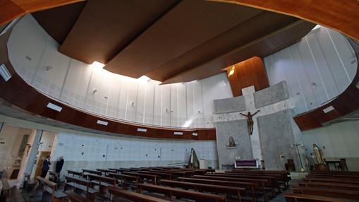 Interior de la parroquia Beata María Ana Mogas