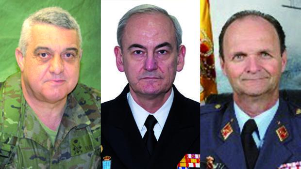 De izquierda a derecha, el general Varela Salas, el almirante Calderón y general Salto
