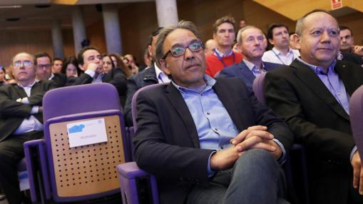 Manolo Mata, portavoz socialista en las Cortes Valencianas, ha sido uno de los asistentes al congreso como invitado