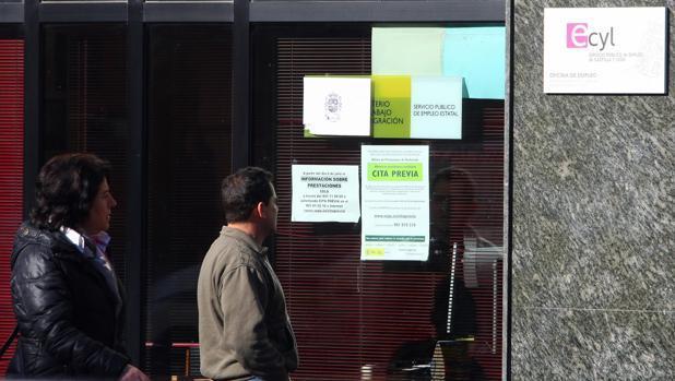 Castilla y le n concluye marzo con parados menos for Oficina empleo valladolid
