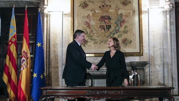 Imagen de Ximo Puig y Flora Pérez, vicepresidenta de la Fundación Amancio Ortega, hoy en el Palau