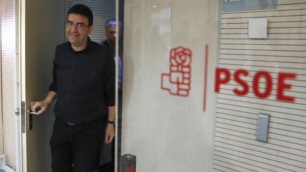 Una polémica grabación de un afín a Susana Díaz agita las primarias del PSOE