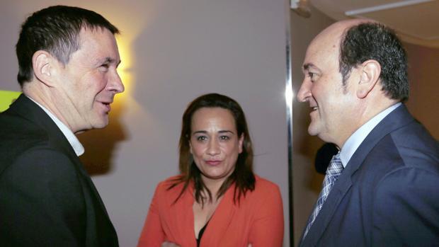 Arnaldo Otegui, Rafaela Romero y Andoni Ortuzar, este miércoles