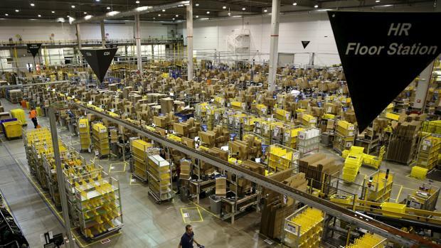 Una imagen del centro logístico de Amazon en Madrid