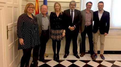 Imagen de la reunión de los directivos de ACPV con la consellera catalana Neus Munté