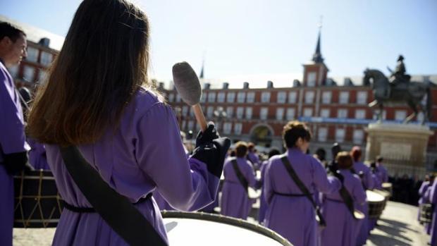 La tamborrada en la Plaza Mayor