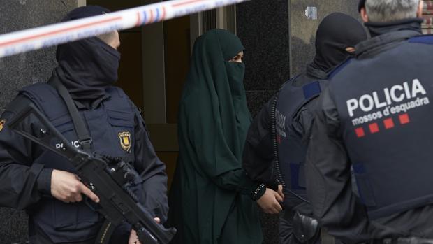 Imagen de la detención este miércoles en Tarrasa