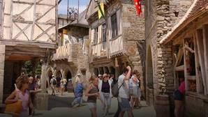 El Puy du Fou es un parque temático situado en un bosque de 50 hectáreas, al lado de un castillo renacentista en ruinas