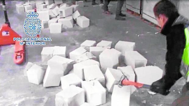 La Policía se incautó de 500 kilos de cocaína en el interior de unos ladrillos falsos