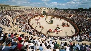 Imagen de uno de los espectáculos de Puy du Fou en el parque que tiene en Francia