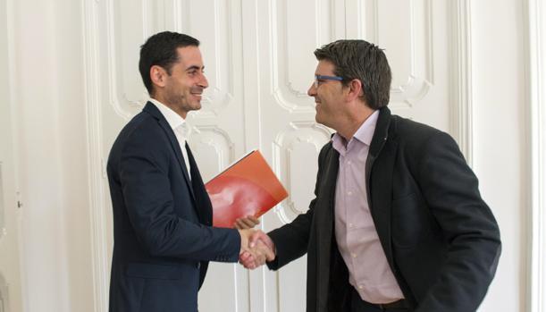 El president Jorge Rodríguez amb l'alcalde de Mislata, Carlos Fernández Bielsa