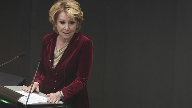Esperanza Aguirre, durante un Pleno en Cibeles