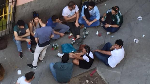 Ahora Madrid:  Carmena permite otro macrobotellón en Malasaña