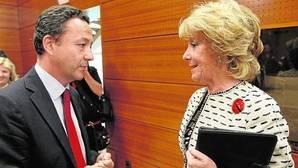 Íñigo Henríquez de Luna junto a Esperanza Aguirre en una foto de archivo