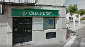 Atracan una sucursal bancaria en Burguillos con un arma de fuego