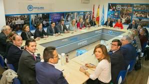Cifuentes promete autonomía a los concejales para elegir al sucesor de Esperanza Aguirre