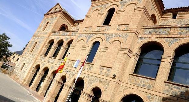 Escuela Oficial de Idiomas «Raimundo de Toledo» en la capital regional