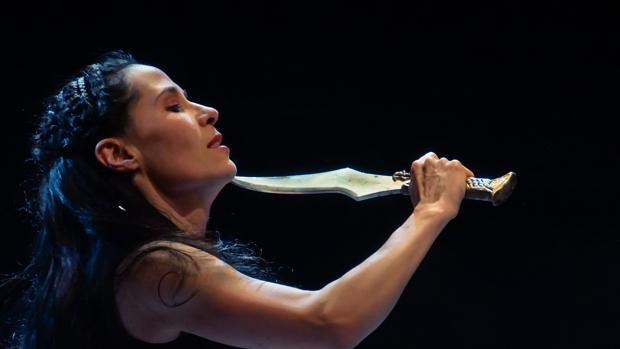 Érika de la Llave como Semíramis en «La hija del aire», de la Compañía Nacional de México