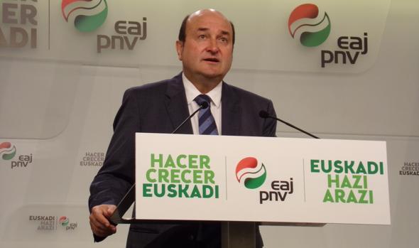 El presidente del PNV, Andoni Ortúzar
