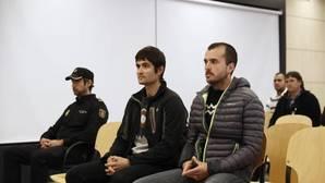Joanes Larretxea (i) y Beñat Aginagalde (d), en la Audiencia Nacional el pasado mes de marzo