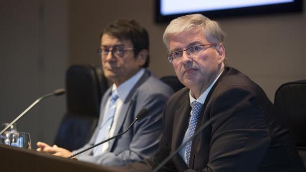 Jordi Cornet, en primer plano, delegado del Consorcio de la Zona Franca de Barcelona