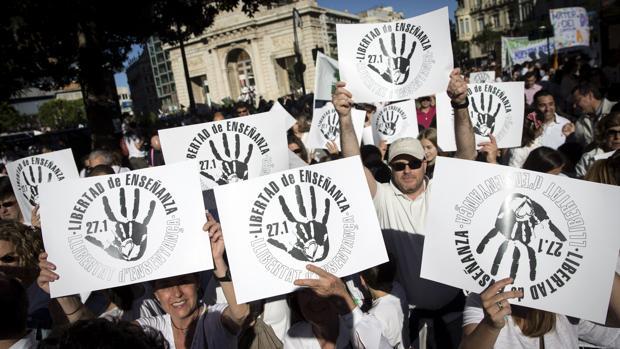 Imagen de la manifestación en Valencia por la libertad de la enseñanza, este sábado