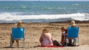 Imatge de la platja de Les Arenes