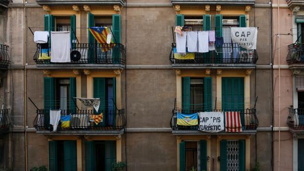 Barcelona endurece la presi n a airbnb por los pisos ilegales - Pisos turisticos barcelona ...