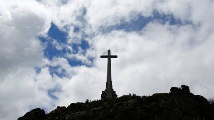 Cs votará con el PSOE para exhumar a Franco del Valle de los Caídos