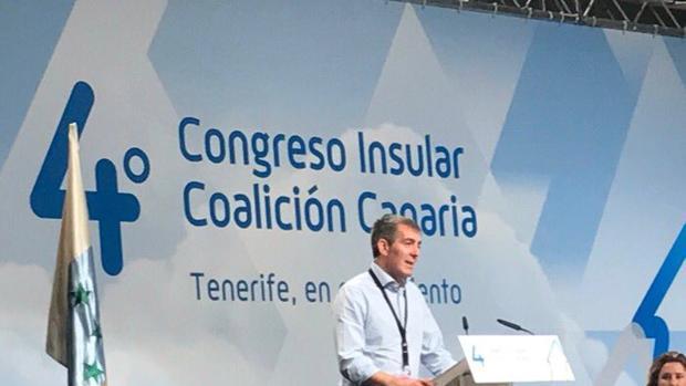 Clavijo deja desde este fin de semana el liderazgo de CC en Tenerife en favor de Francisco Linares