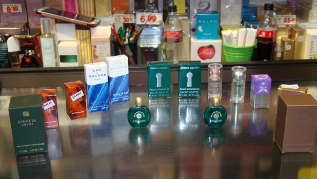 En El Botijo se encuentran numerosas miniaturas de los mejores perfumes