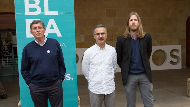 Jean Pierre Lohrer, Nicanos Pastrana y Pablo Fernandez, los tres candidatos a la secretaría regional de Podemos