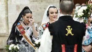 Imagen de Mónica Oltra con su falla Ángel del Alcazar-José Maestre